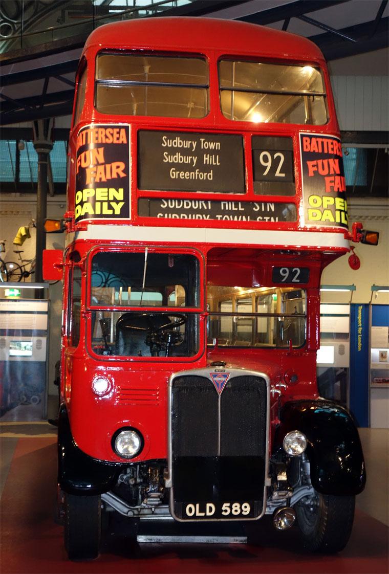 AEC Regal Bus © Richard Croft cc-by-sa/2.0 :: Geograph