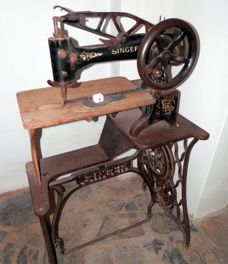 Singer sewing machine merritt 1873