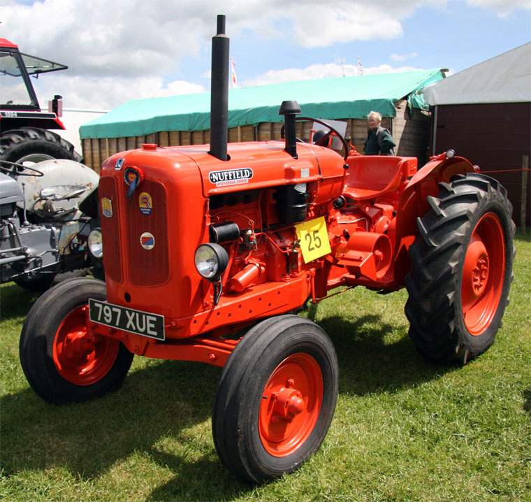 Nuffield Tractors Graces Guide